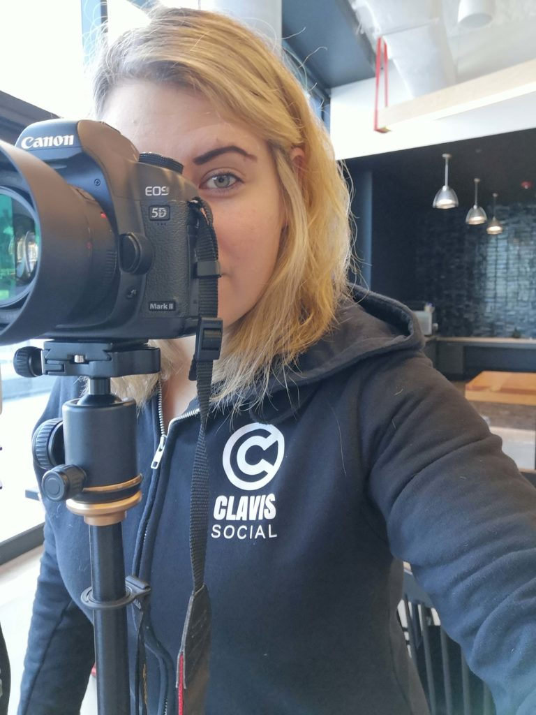Your social media team - Sonja Missio behind the camera